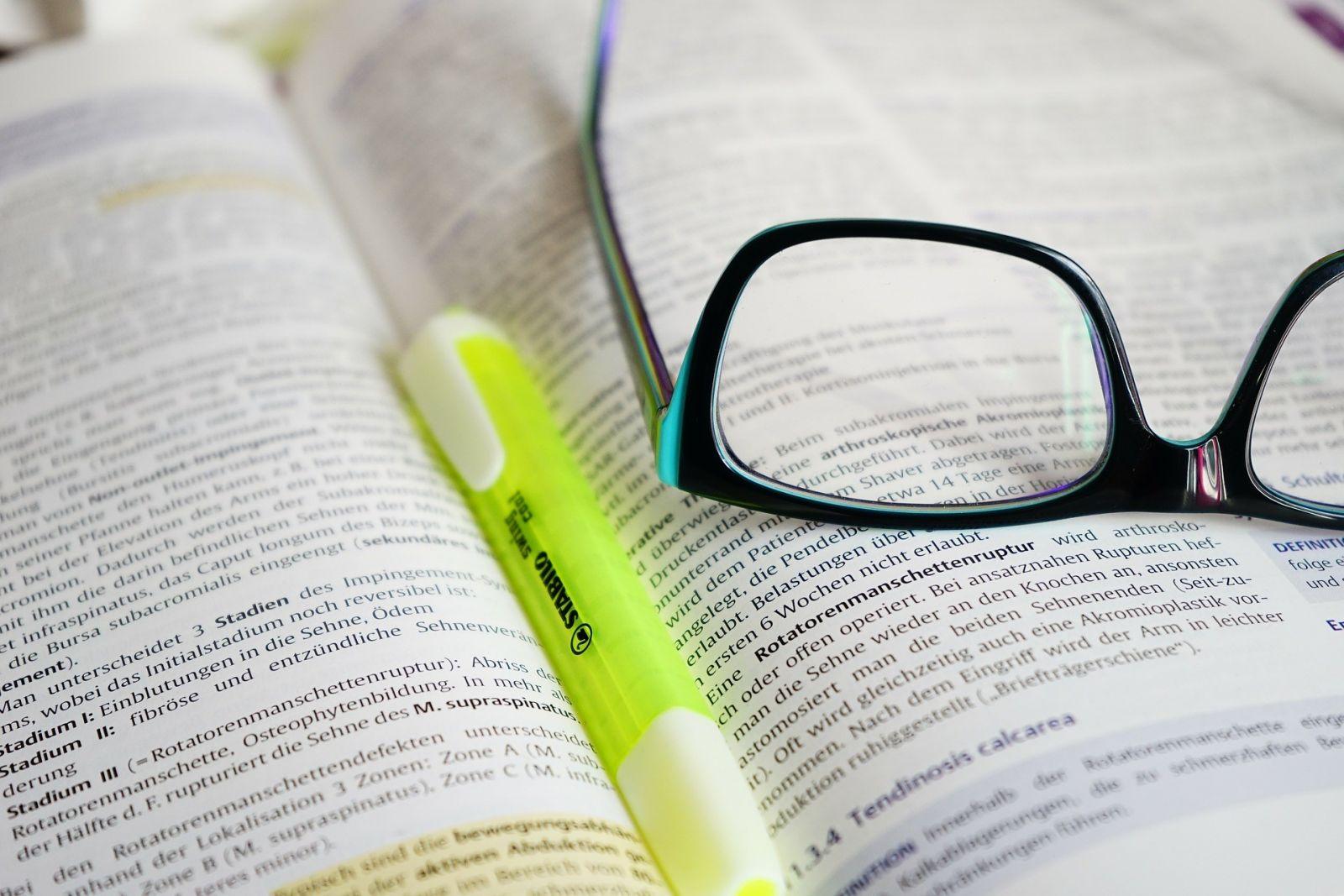 Jak rychleji číst skripta a povinnou četbu?